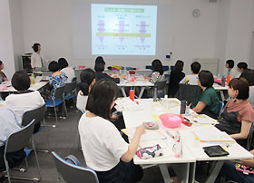 練馬子ども家庭支援センター練馬駅北分室で行われた研修会
